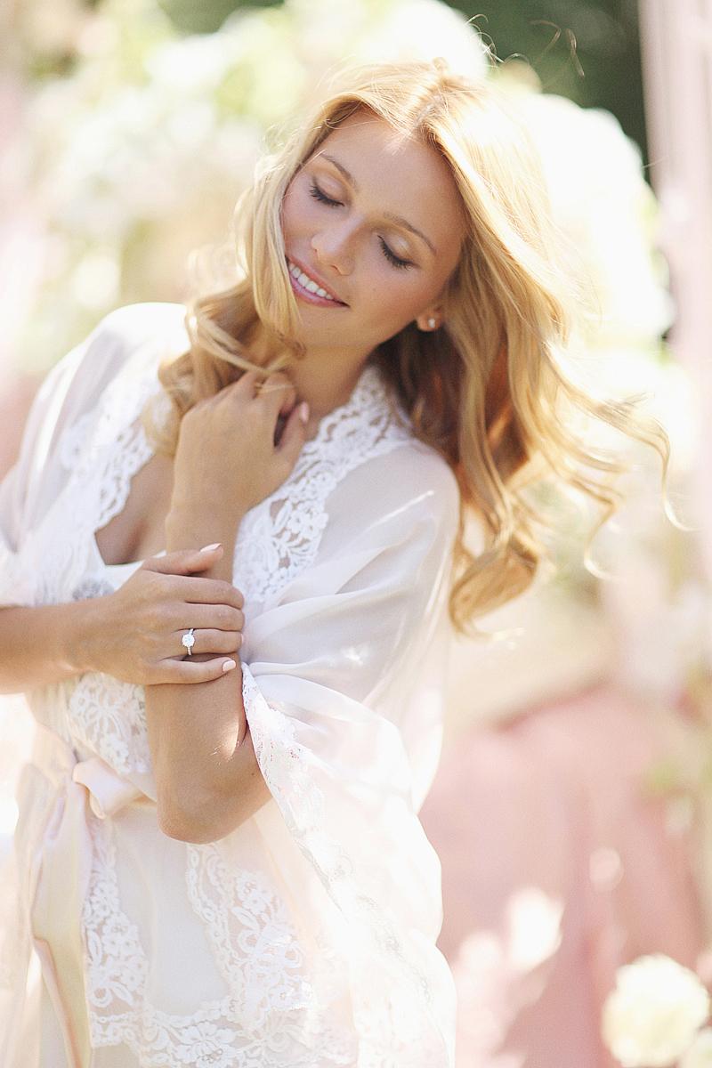 Moscow-bridal-boudoir-by-Sonya-Khegay-33