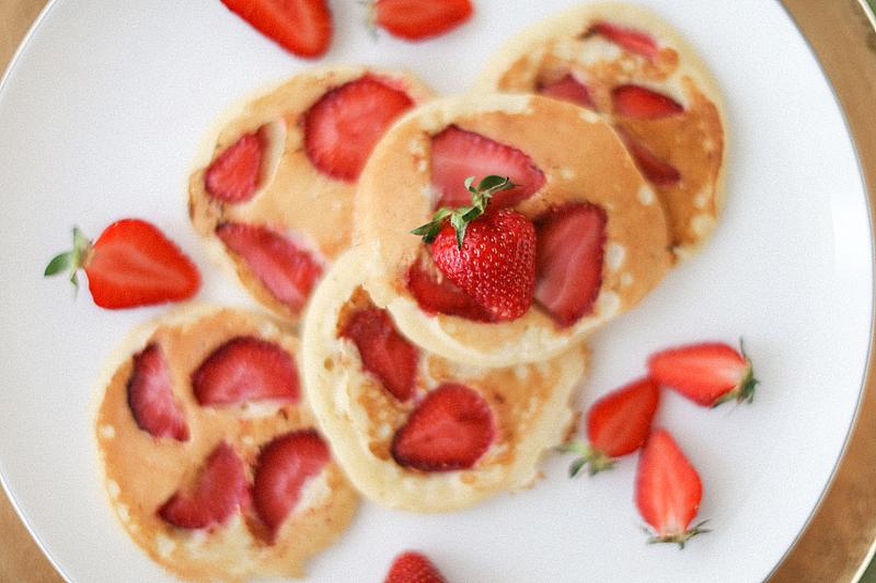 strawberry-pancake-by-Sonya-Khegay-06