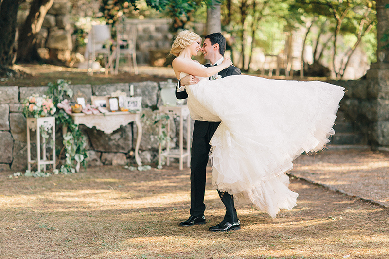 Intimate Summer Wedding by Sonya Khegay 32