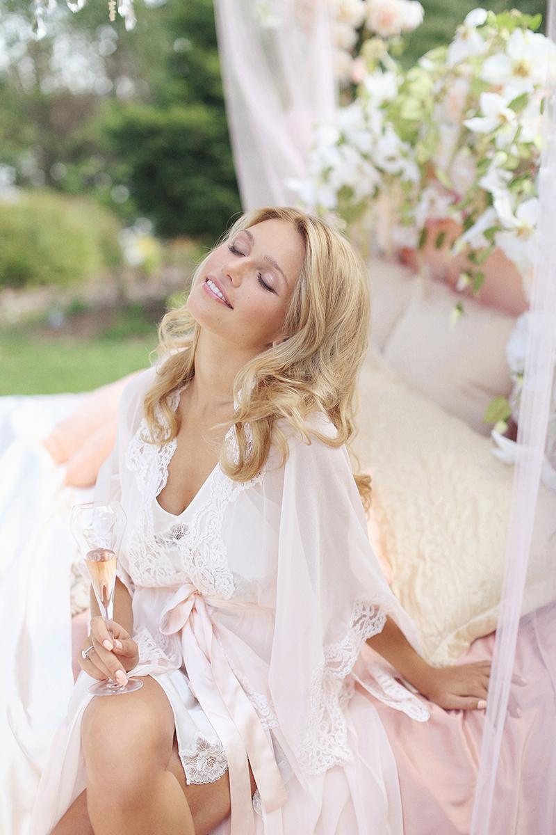 Moscow-bridal-boudoir-by-Sonya-Khegay-20