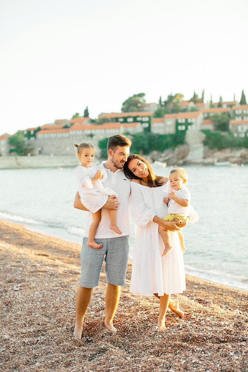 sunset-family-Montenegro-by-Sonya-Khegay-03