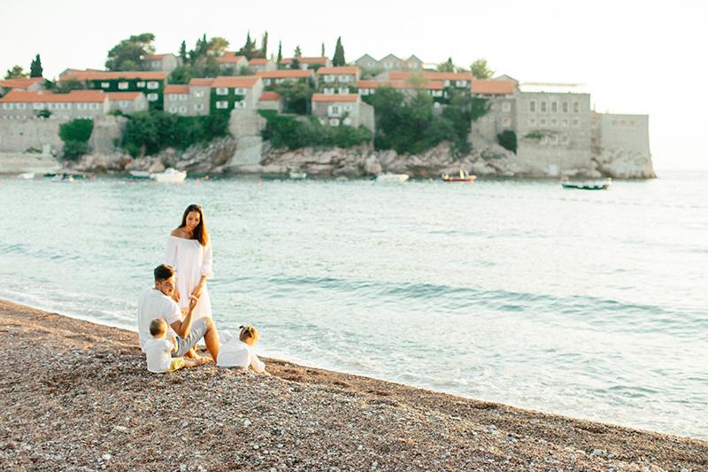 sunset-family-Montenegro-by-Sonya-Khegay-05