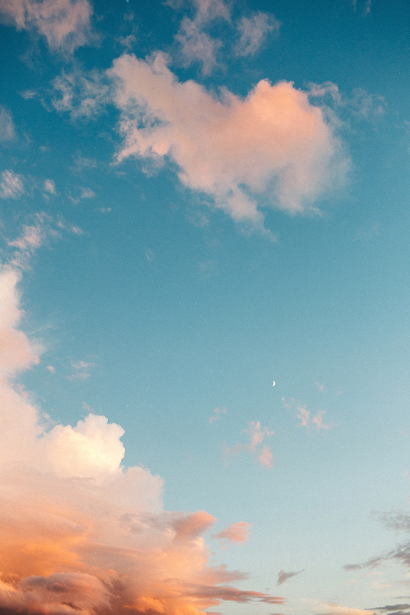 dreamy-sky-wallpaper-by-sonya-khegay-01